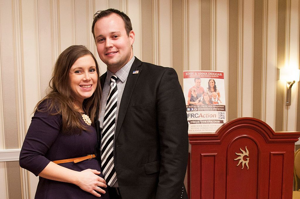 Anna and Josh Duggar pose during the 42nd annual Conservative Political Action Conference (CPAC) on February 28, 2015, in National Harbor, Maryland | Photo:Kris Connor/Getty Images