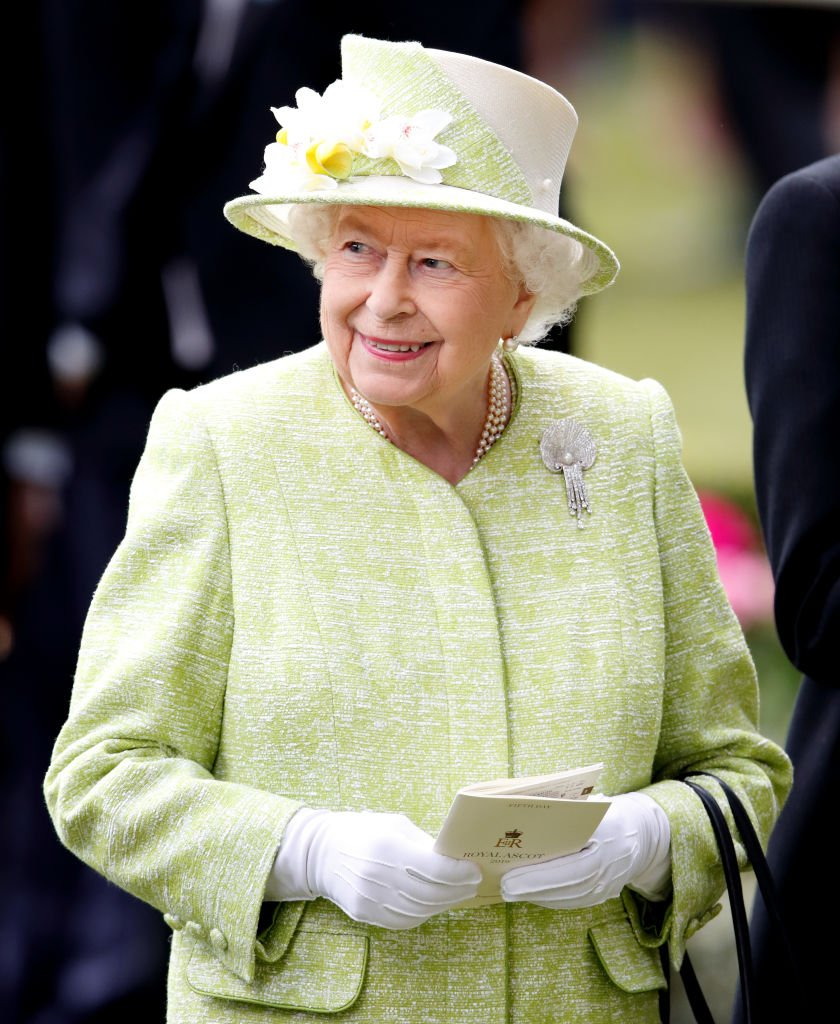 Queen Elizabeth II (wearing the Courtauld Thomson Scallop-Shell Brooch) at day five of Royal Ascot at Ascot Racecourse on June 22, 2019 | Photo: Getty Images