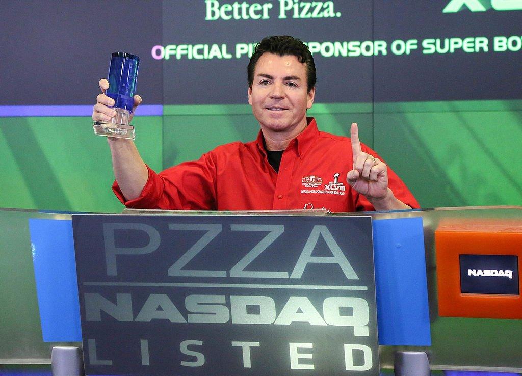 John H. Schnatter, Founder, Chairman & CEO of Papa John's International, Inc. rings the NASDAQ Opening Bell at NASDAQ MarketSite | Photo: Getty Images