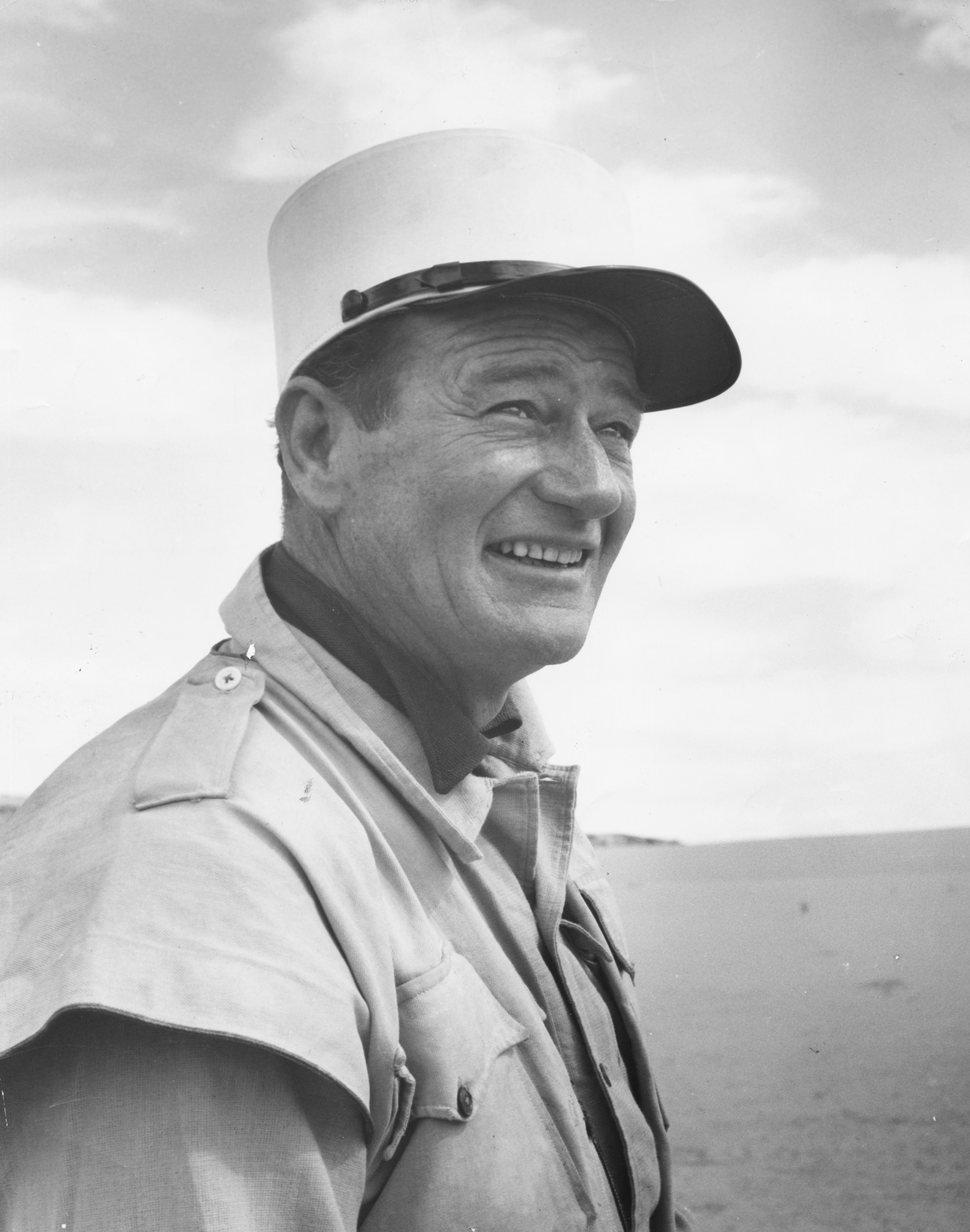 John Wayne during the filming of the movie 'Legend of the Lost', Tripoli, January 01, 1956 | Photo: Getty Images