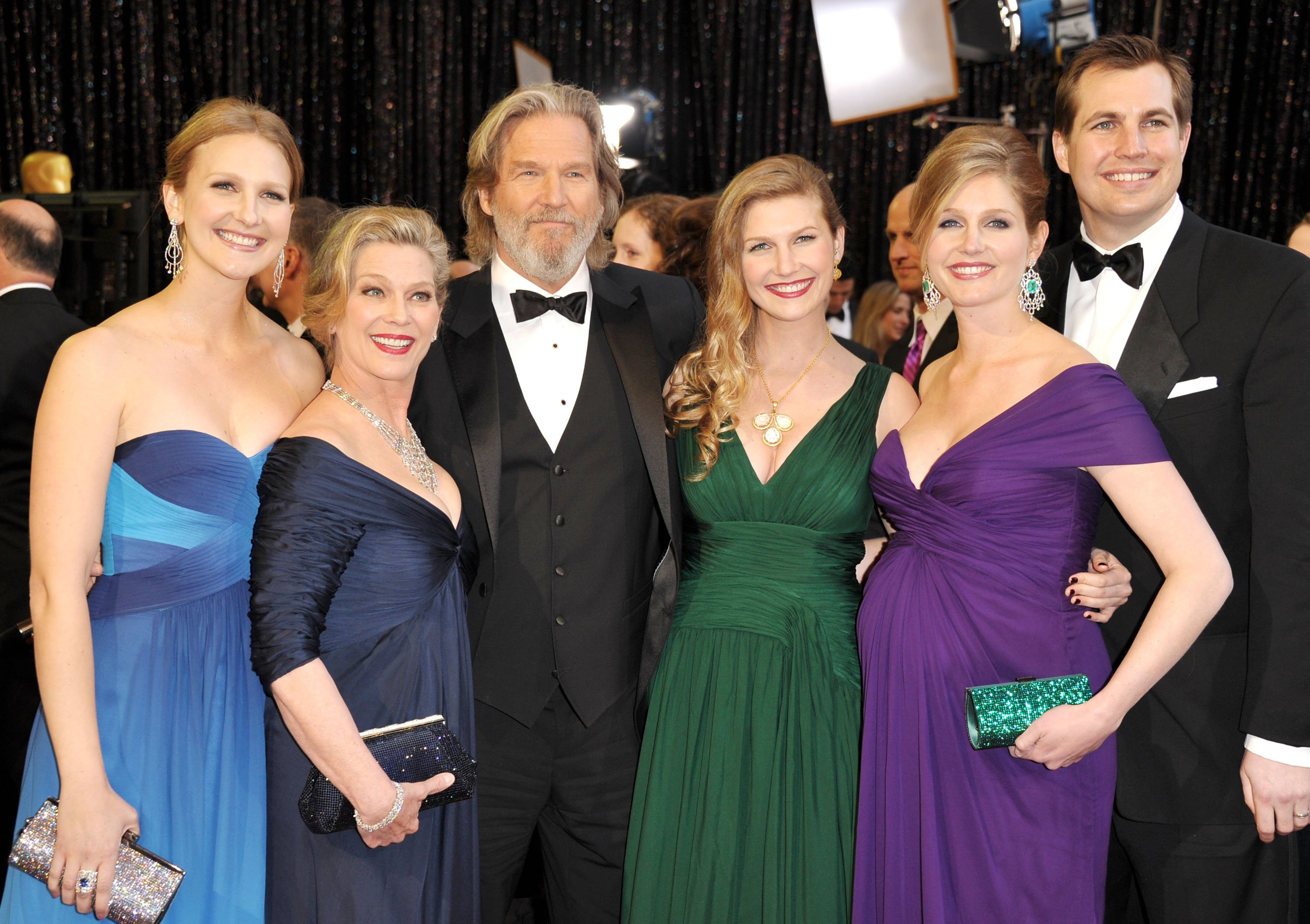 Jeff Bridges, Susan Bridges, and family arrive at the 83rd Annual Academy Awards on February 27, 2011. | Source: Getty Images