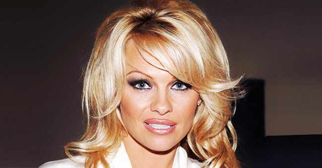 Pamela Anderson Showcases Stylish Airplane Look in New Black-And-White Photos