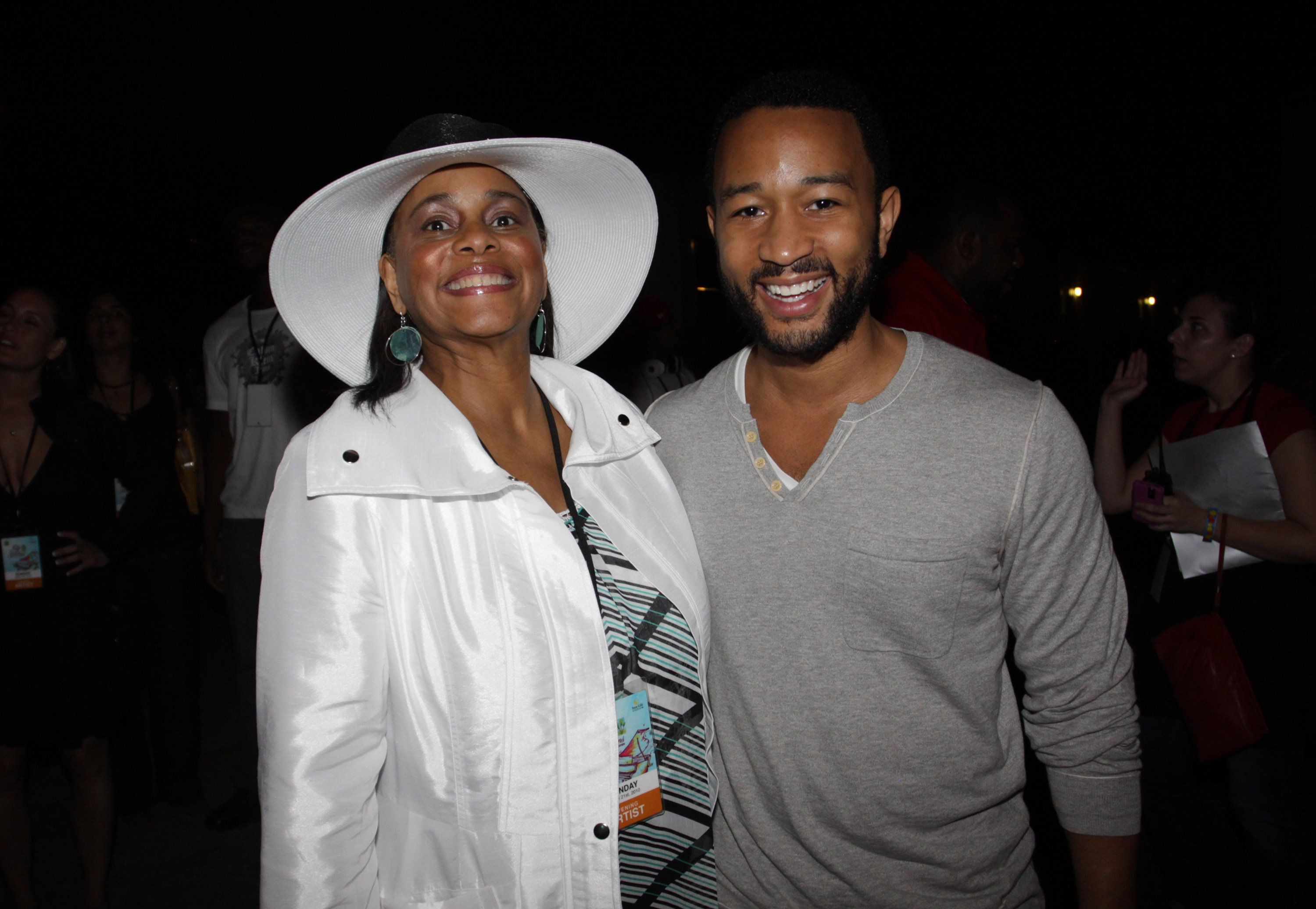 John Legend (r) and his mother Phyllis Stephens attend Jazz In The Gardens 2010 on March 21, 2010 in Miami Gardens, Florida. | Photo: GettyImages