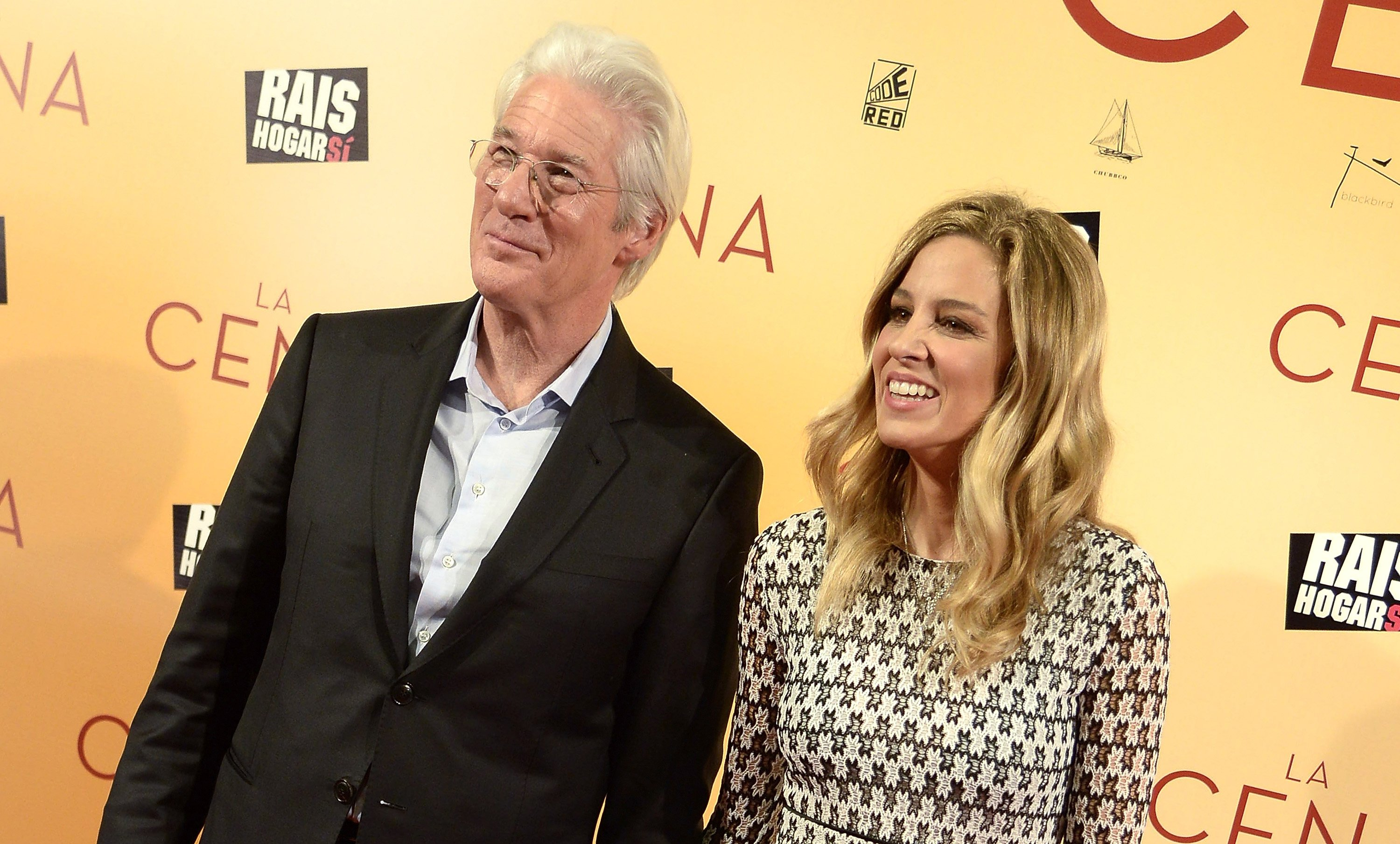 Richard Gere and Alejandra Silva attend the 'La Cena' (The Dinner) premiere at the Capitol cinema on December 11, 2017 in Madrid, Spain | Photo: GettyImages