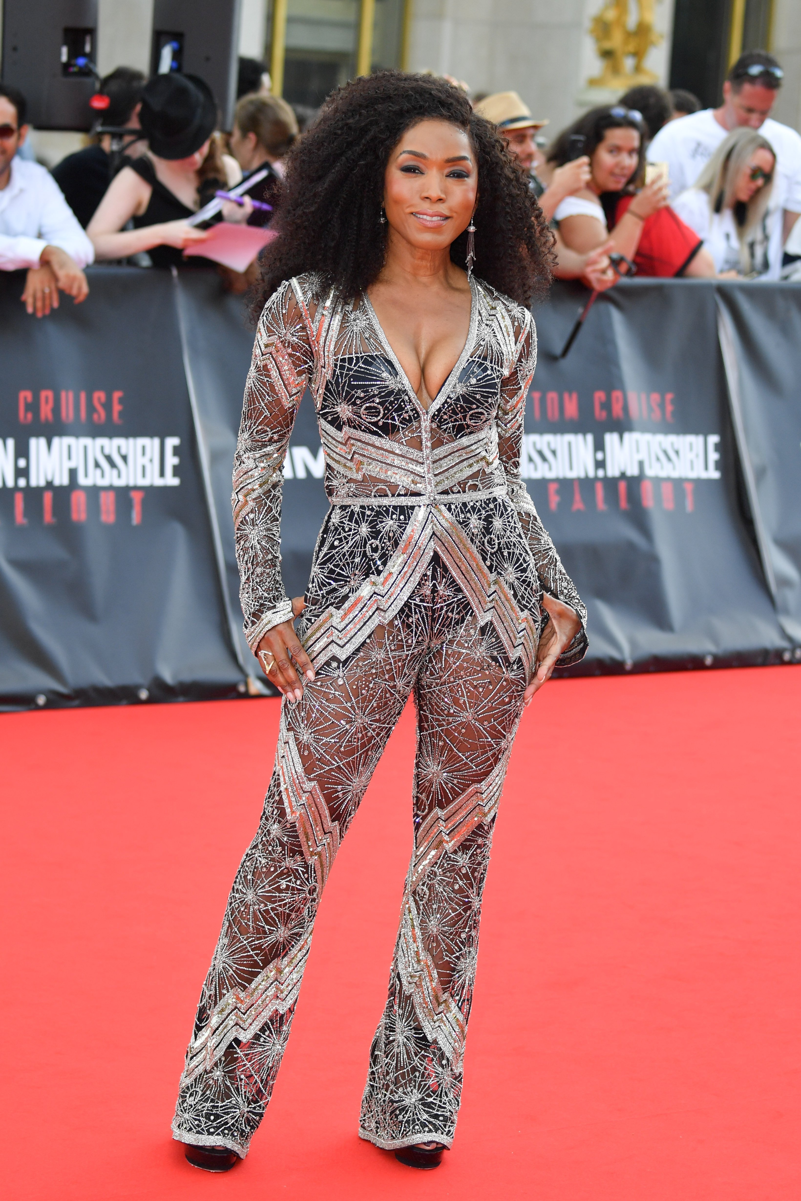 Actress Angela Bassett attends the Mission: Impossible - Fallout' Global Premiere in Paris on July 12, 2018| Photos: Getty Images