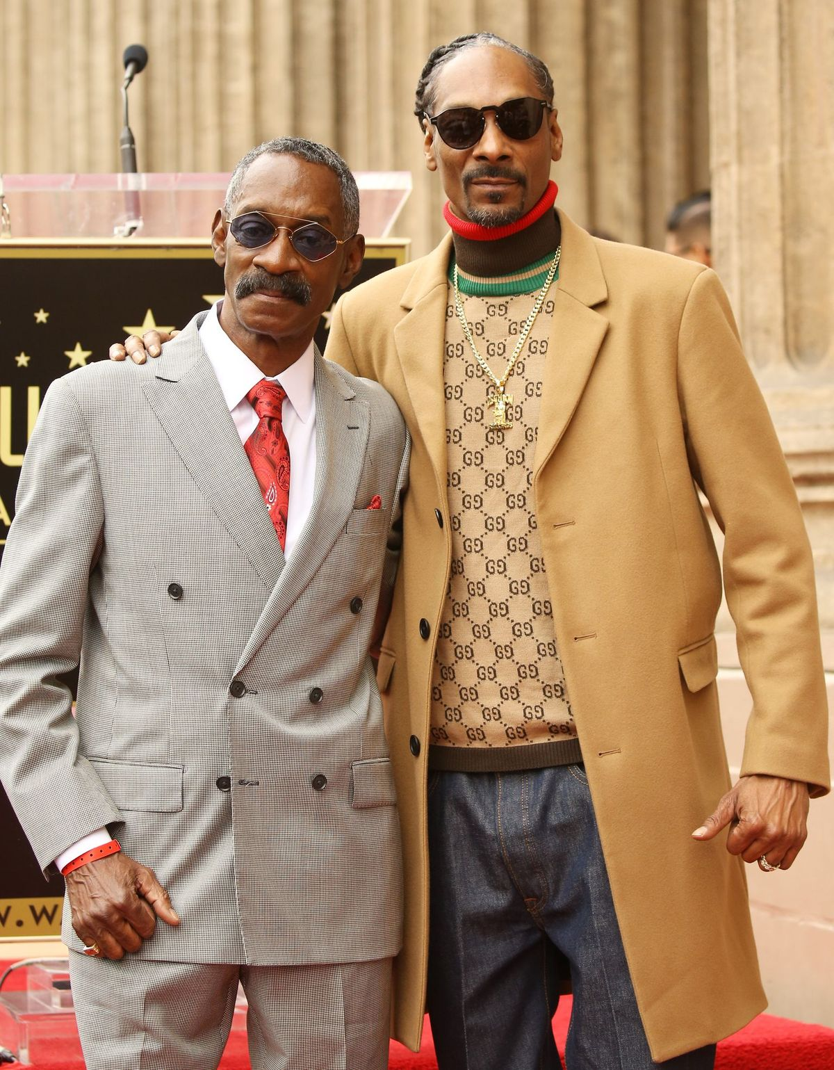 Snoop Dogg and his father at the ceremony honoring Snoop Dogg with a Star on The Hollywood Walk of Fame held on November 19, 2018 | Source: Getty Images