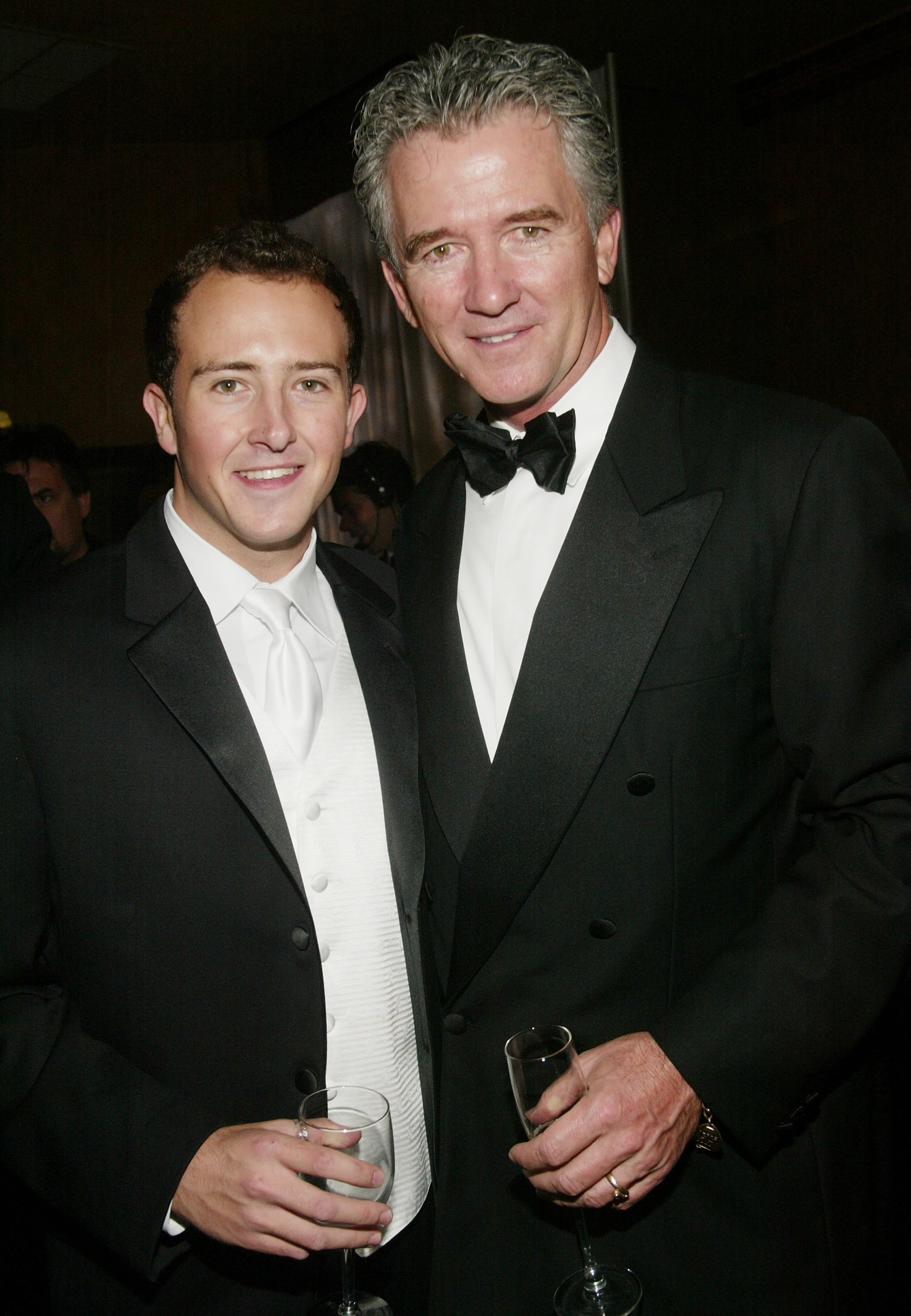 Patrick Duffy und Sohn Conor am 2. November 2003 in New York City | Quelle:  Getty Images