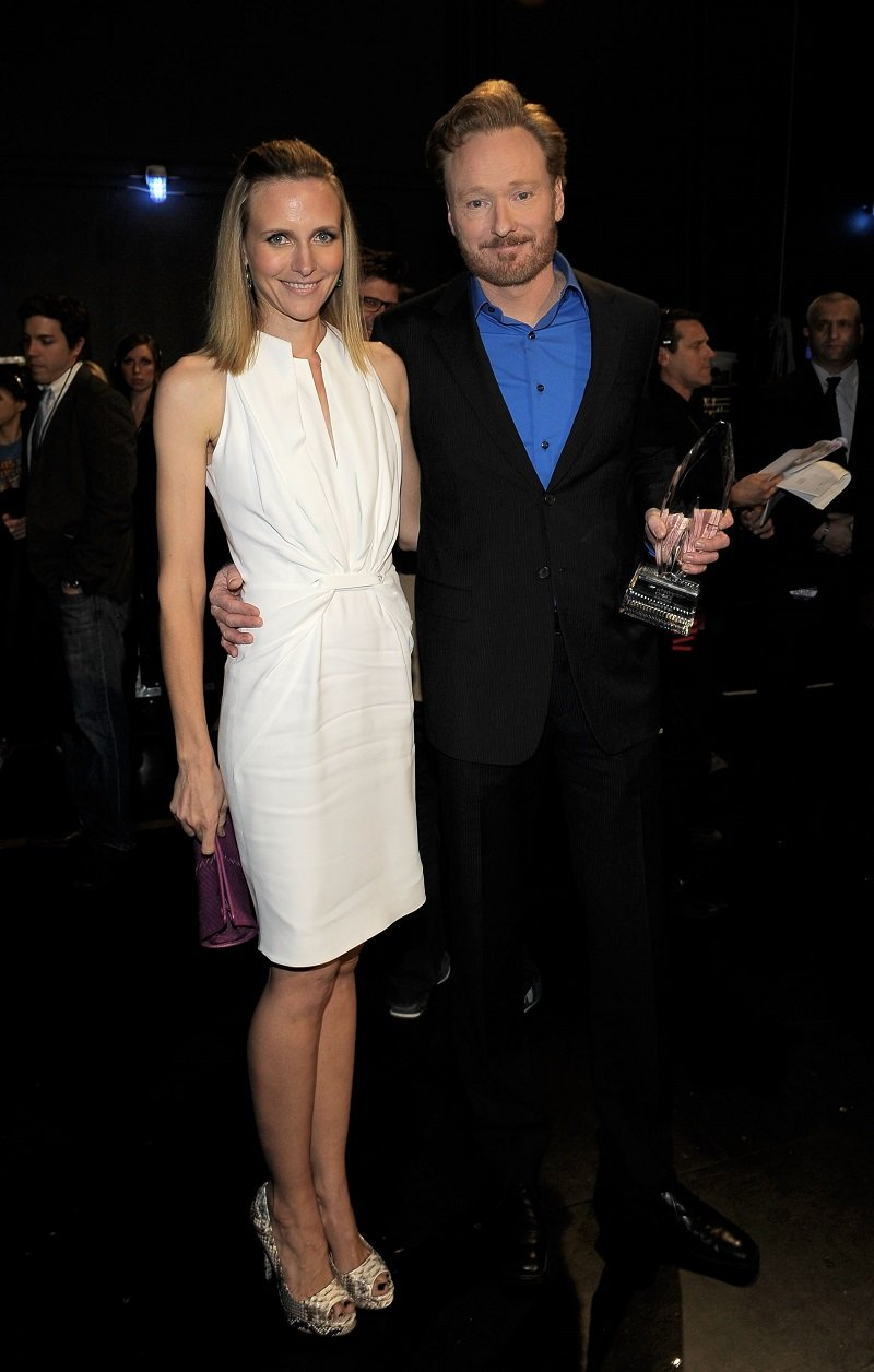 Conan O'Brien and wife Liza Powel at the 2011 People's Choice Awards at Nokia Theatre on January 5, 2011 in Los Angeles, California | Photo: Getty Images
