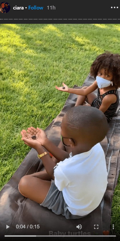 Singer Ciara's son, Future and daughter, Sienna having a lovely zoo time out in their backyard | Photo: Instagram/ciara