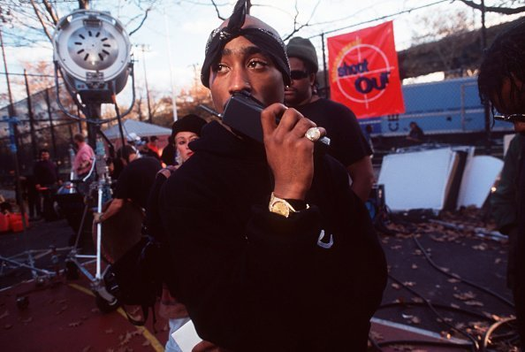 Photo of Tupac Shakur on the set of a movie | Photo: Getty Images