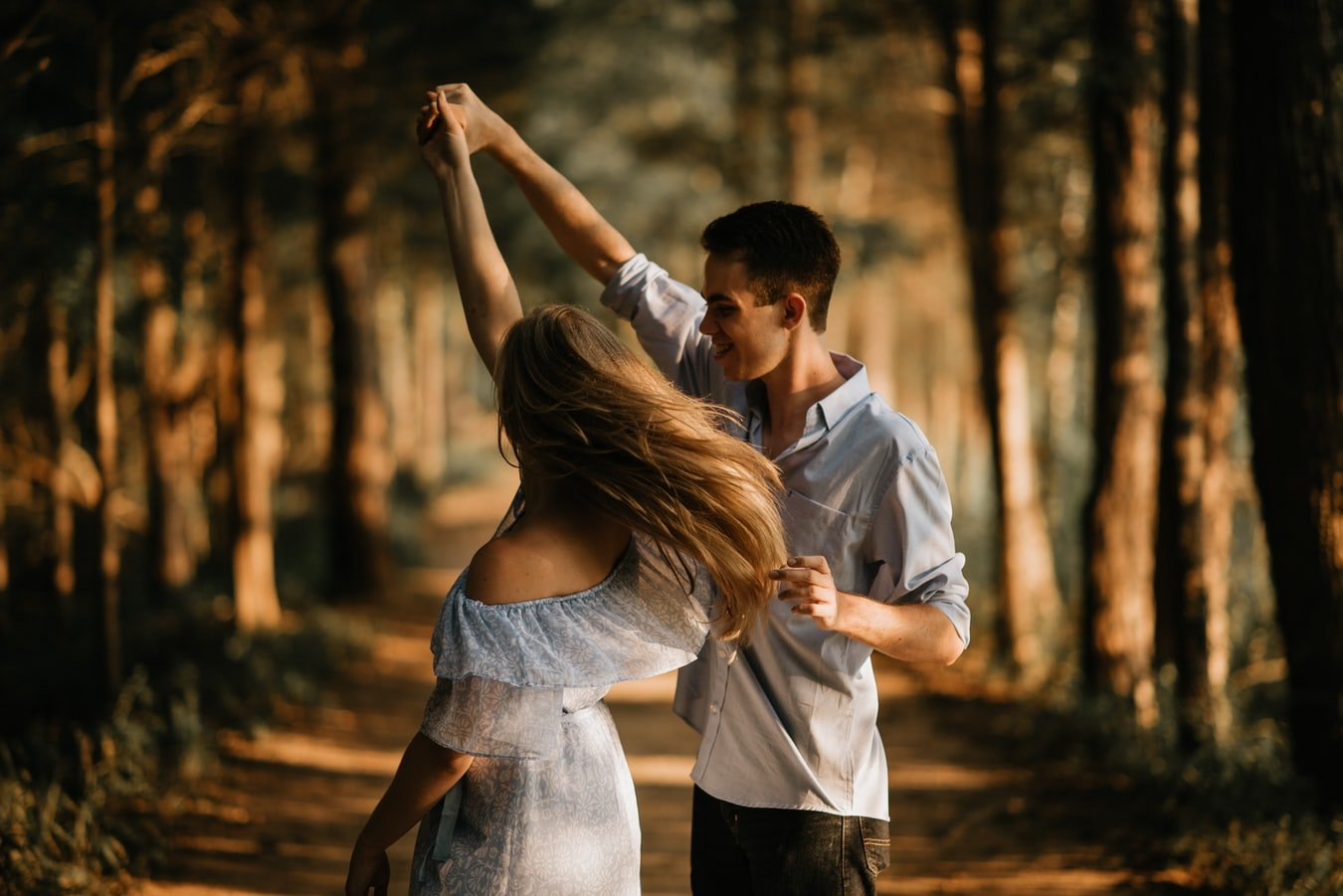 Young couple falling in love | Source: Unsplash