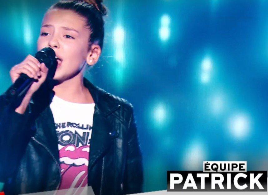 Clara qui a rejoint l'équipe de Patrick Fiori. l Source : TF1 Replay