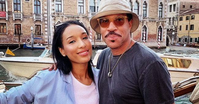 Lionel Richie's Much Younger Girlfriend Lisa Parigi Stuns in Black Leather Pants & Denim Jacket in a New Pic