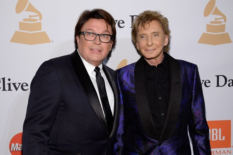 Barry Manilow and spouse Garry Kief on February 14, 2016 in Beverly Hills, California | Photo: Getty Images