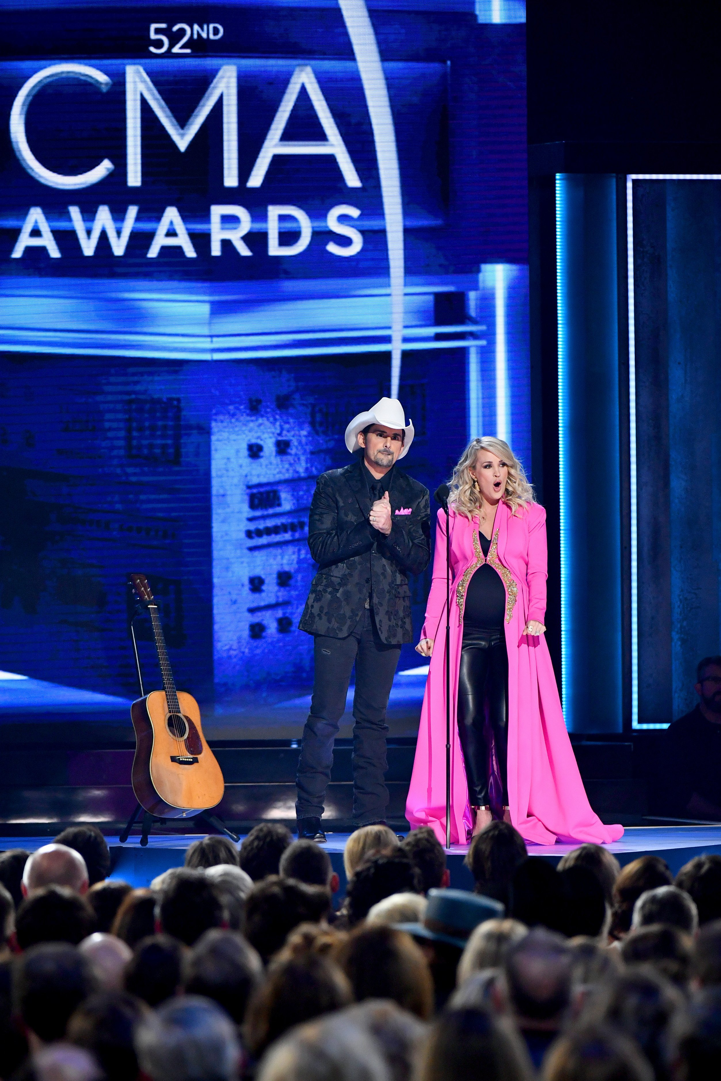 Brad Paisley and Carrie Underwood perform at the 52nd annual CMA Awards in Nashville, Tennesee on November 14, 2018 | Photo: Getty Images