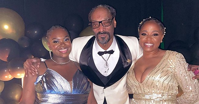 Snoop Dogg Poses with Wife Shante & Daughter Cori in Chic Dresses Showing Their Striking Resemblance