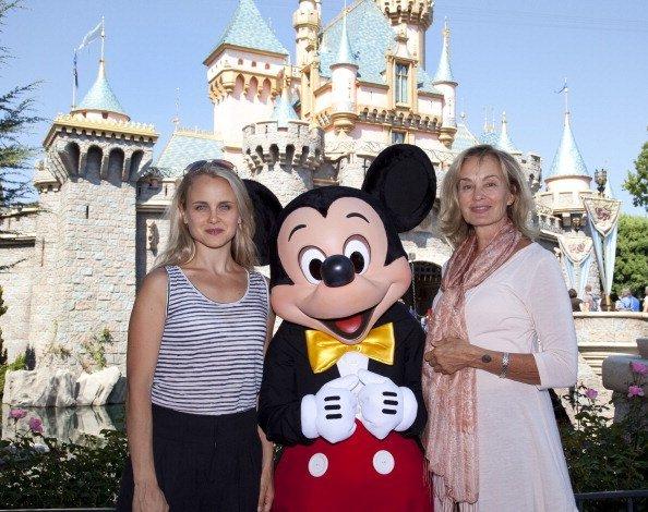 Jessica Lange and Shura Baryshnikov at Disneyland On September 2, 2011 in Anaheim, California | Photo: Getty Images