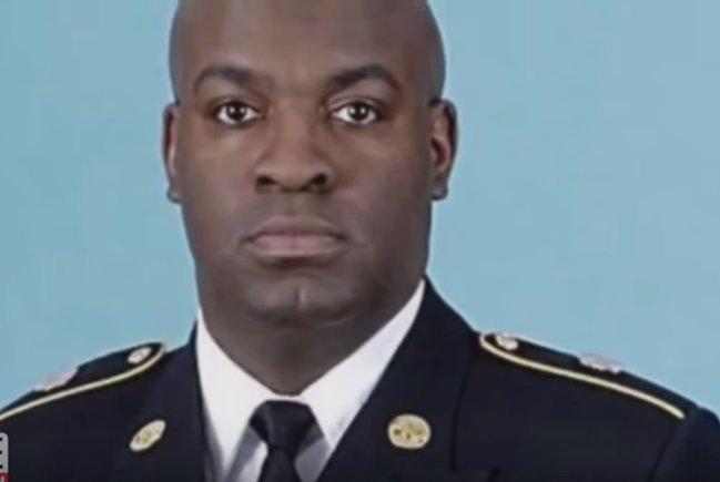 Dr. Derrick Nelson, army veteran and principal who died while donating his bone marrow to an unknown French boy  Photo: YouTube/ Inside Edition.