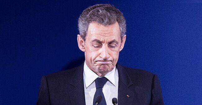 Le jour où Nicolas Sarkozy était près de Bernadette Chirac, à la mort de sa fille