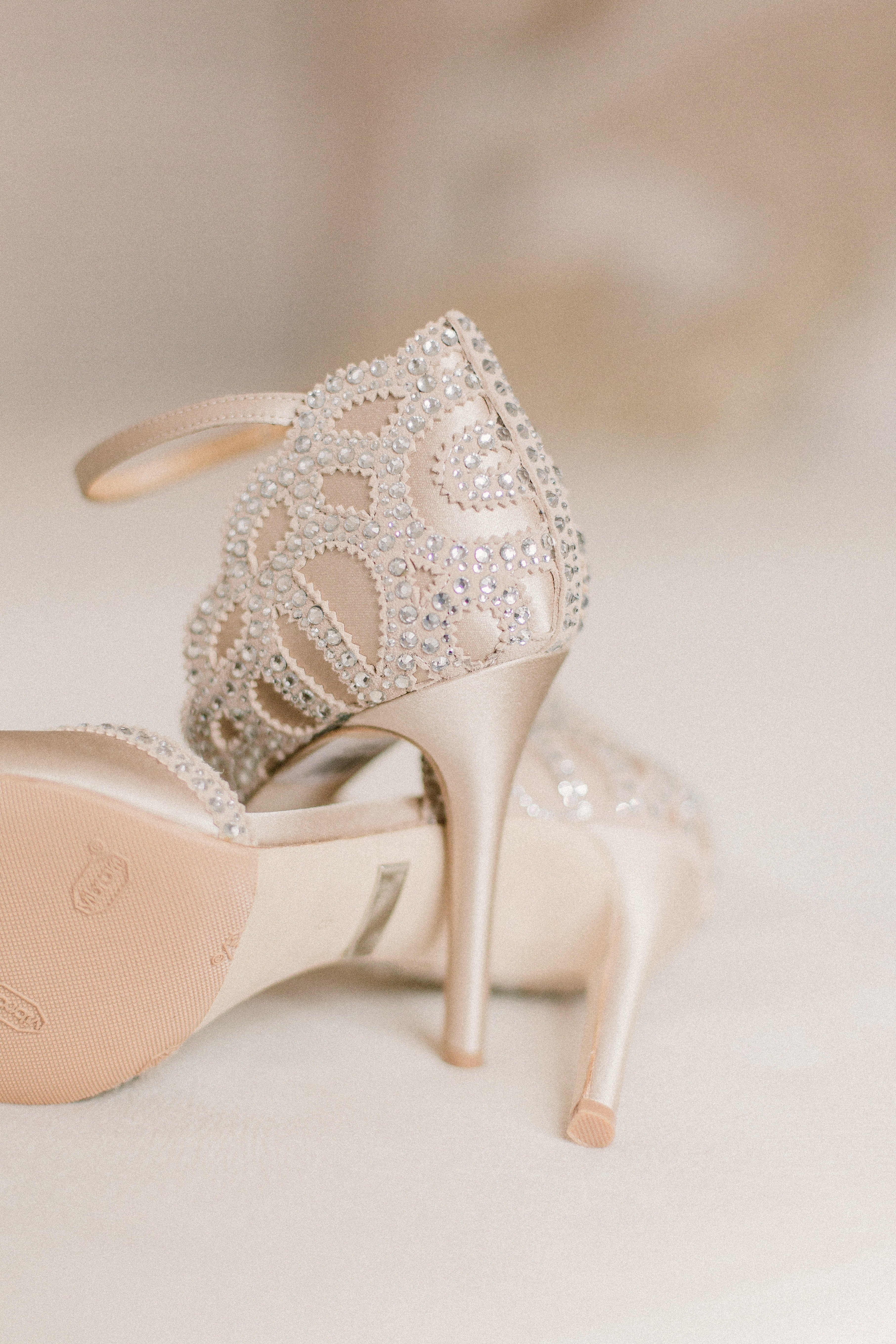 Would the husband give away her shoes? | Photo: Pexels/Kseniia Lopyreva