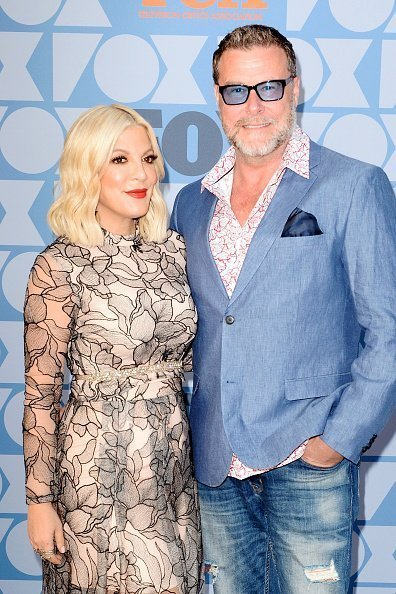 Tori Spelling and Dean McDermott arrive at FOX Summer TCA 2019 All-Star Party at Fox Studios | Photo: Getty Images