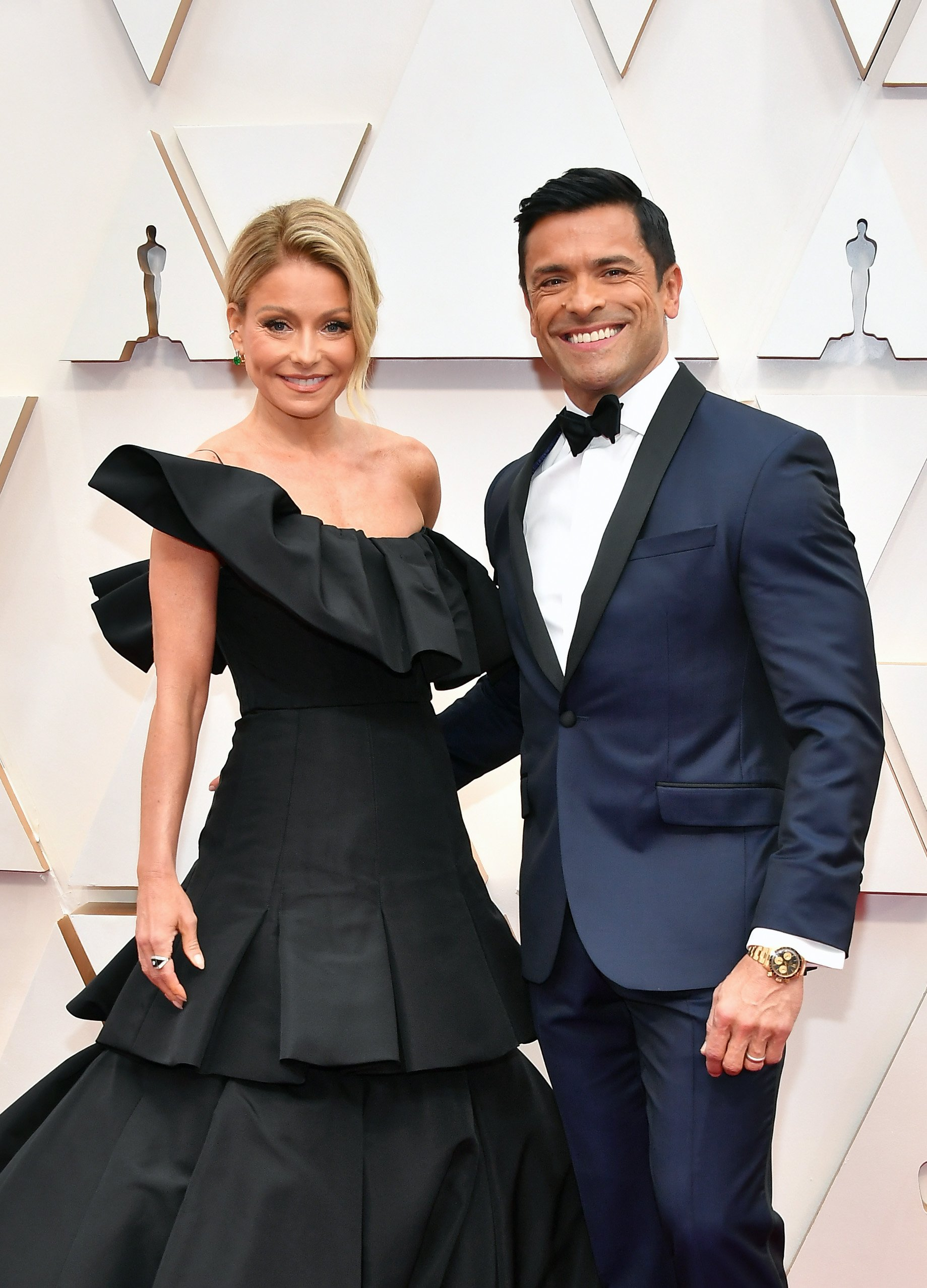 Kelly Ripa and Mark Consuelos attend the 92nd Annual Academy Awards at Hollywood and Highland on February 09, 2020 in Hollywood, California.   Source : Getty Images