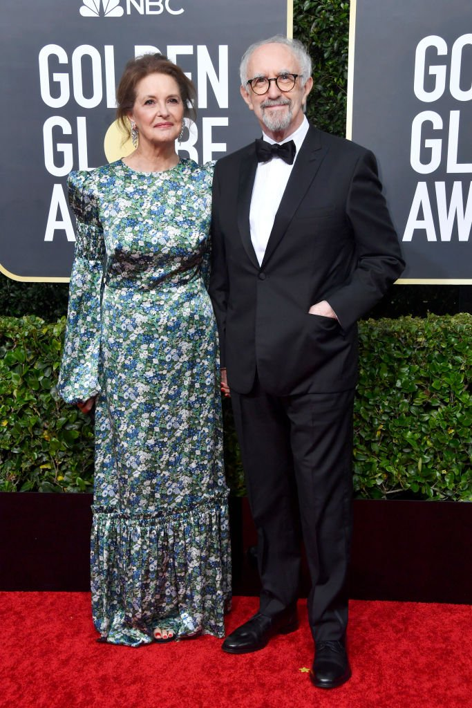 Kate Fahy and Jonathan Pryce attend the 77th Annual Golden Globe Awards at The Beverly Hilton Hotel on January 05, 2020   Photo: Getty Images