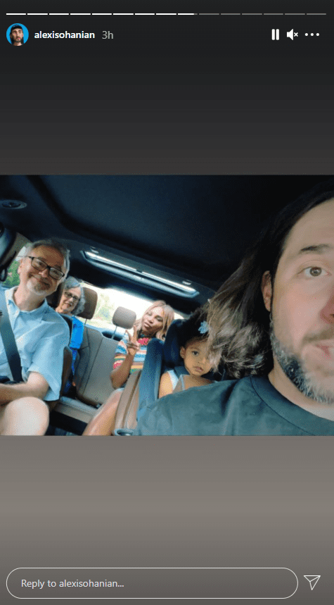 Alexis Ohanian in the car with his wife, daughter, and parents.   Photo: Instagram.com/alexisohanian