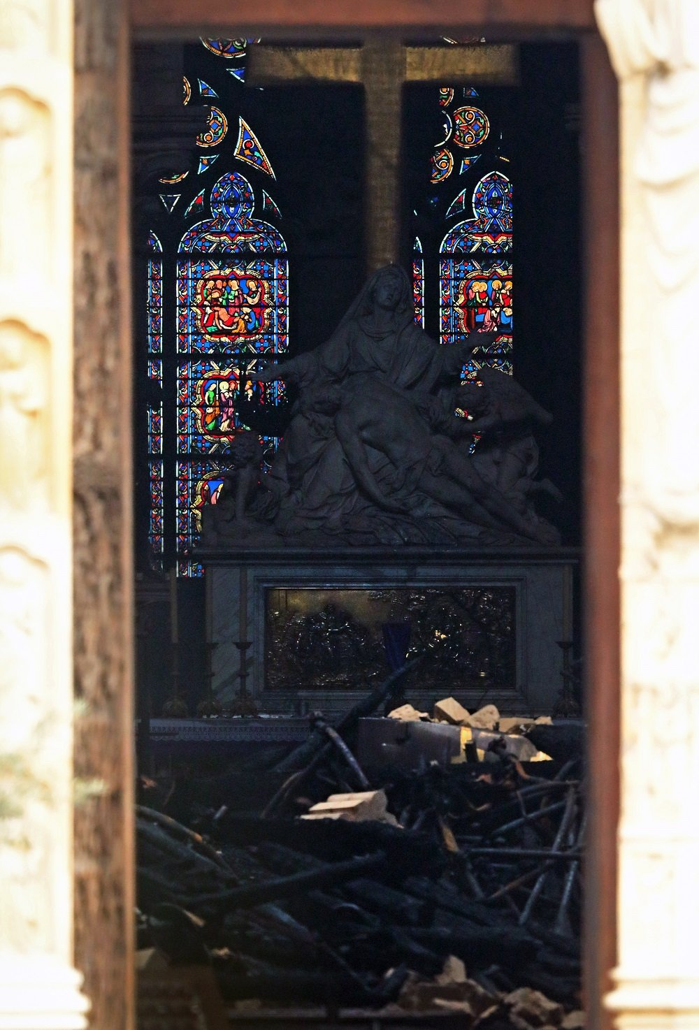 Cómo quedó la catedral de Notre-Dame tras extinguirse el incendio del 15 de abril de 2019 en París, Francia.   Imagen: Getty Images.