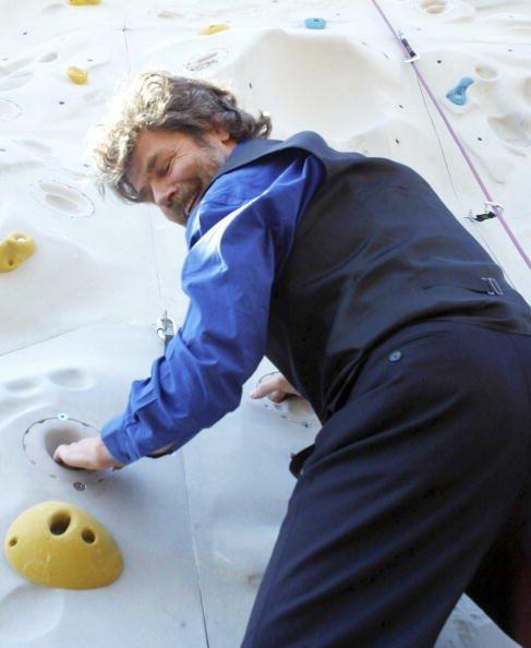 Reinhold Messner, Freizeitsport: Freeclimbing 2003   Quelle: Getty Images