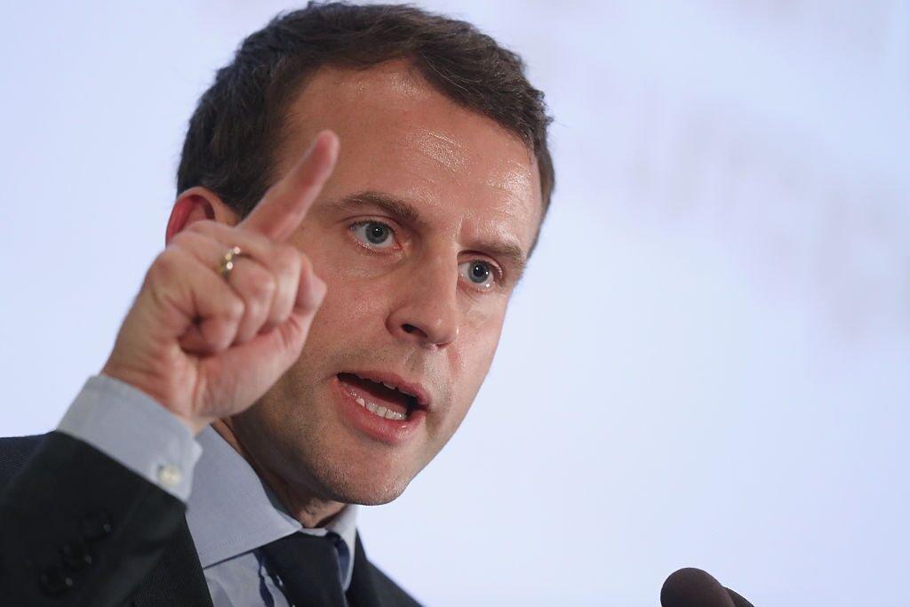Emmanuel Macron entrain faire une discours. | Photo: Gettyimage
