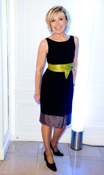 Evelyne Dheliat participe au dîner de gala Sidaction 2012, au Pavillon d'Armenonville à Paris. | Photo : Getty Images