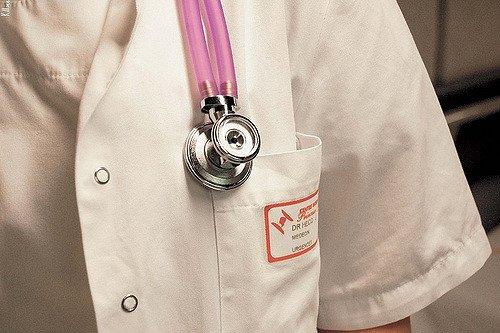 Un médecin urgentiste. l Source: Flickr