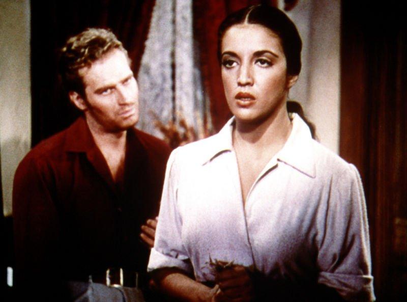 Charlton Heston y Katy Jurado en Arrowhead, 1953. | Foto: Wikipedia.org