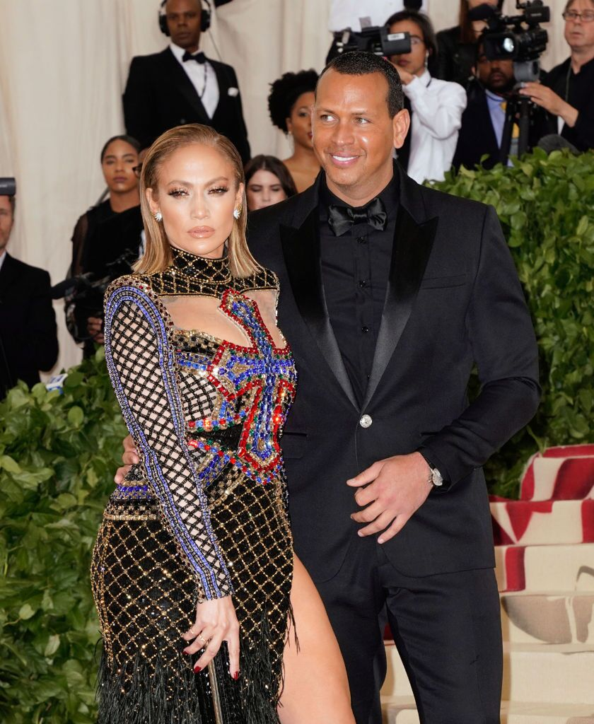 Jennifer Lopez and Alex Rodriguez attends the Heavenly Bodies: Fashion & The Catholic Imagination Costume Institute Gala at Metropolitan Museum of Art on May 7, 2018 | Photo: Getty Images