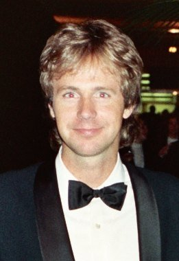 Dana Carvey attends the 1989 Emmy Awards. | Source: Wikimedia Commons