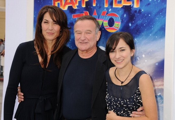 Susan Williams, Robin Williams, and Zelda Williams at Grauman's Chinese Theatre on November 13, 2011. | Photo: Getty Images