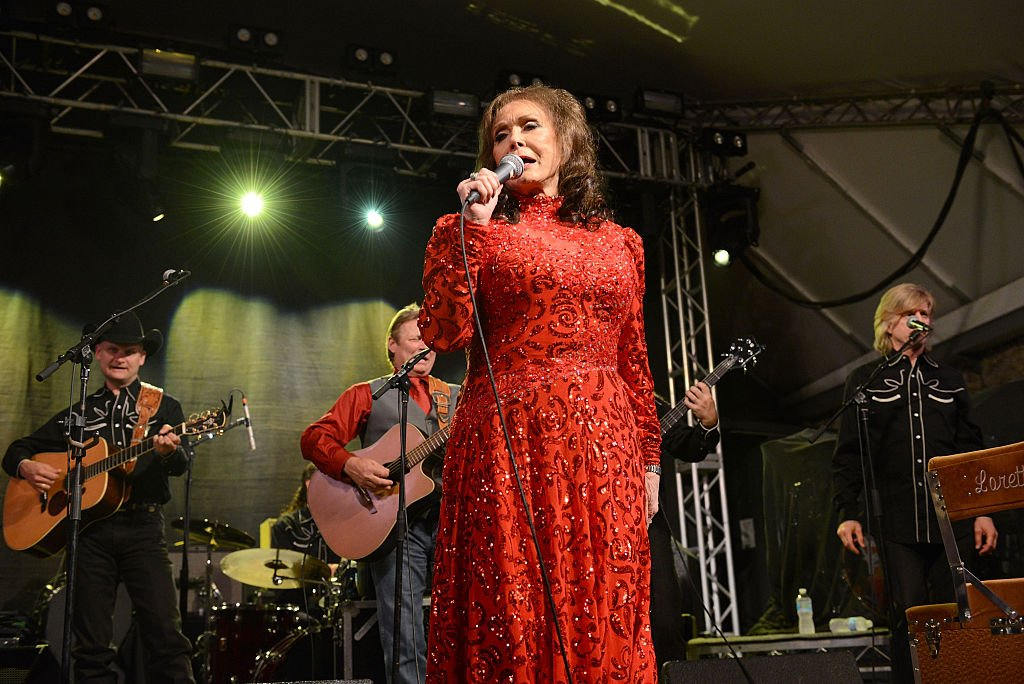 Singer Loretta Lynn performs onstage at Stubbs on March 17, 2016 in Austin, Texas. | Source: Getty Images