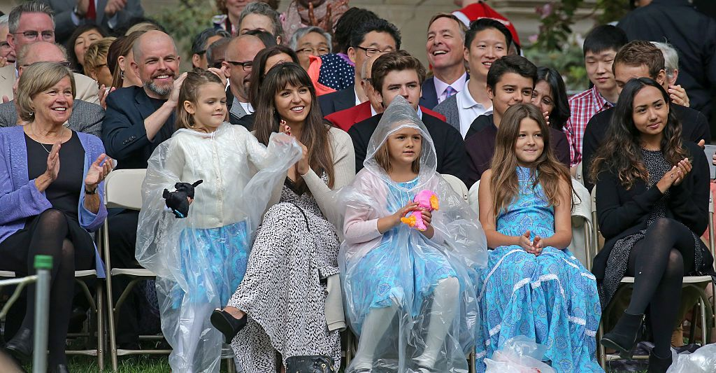 Luciana Barroso and their kids in the crowd, as Matt Damon spoke at the Massachusetts Institute of Technologys commencement in Cambridge, Mass. on June 3, 2016. | Photo: Getty Images.