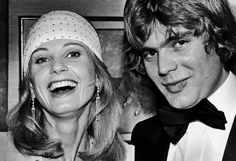 Jill Ireland and Jason McCallum during a 1979 Beverly Hills, California, cocktail party   Photo: Getty Images
