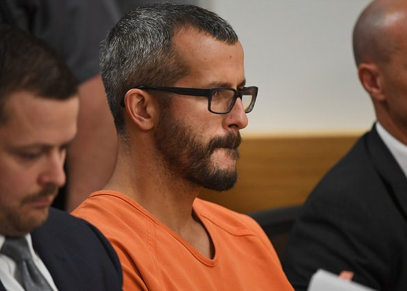 Christopher Watts is in court for his arraignment hearing at the Weld County Courthouse on August 21, 2018 | Photo: Getty Images