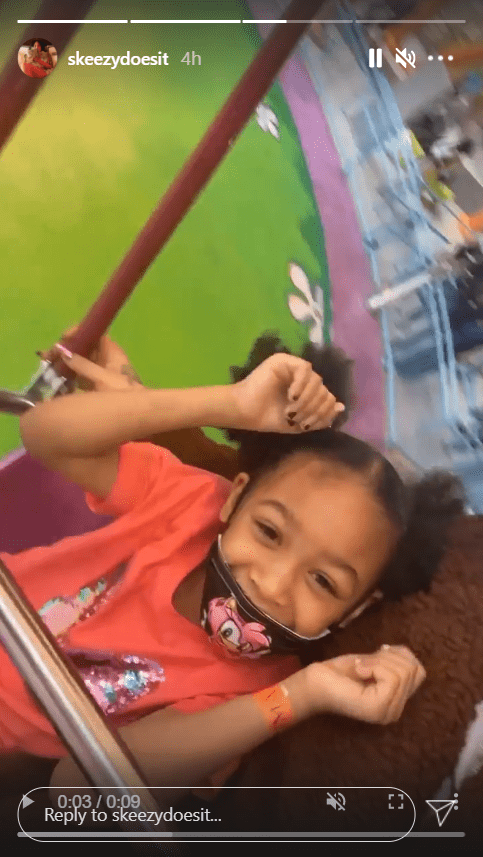 Whoopi Goldberg's great-granddaughter, Charli Rose, smiling with a mask on during her birthday party celebration | Photo: Instagram/skeezydoesit
