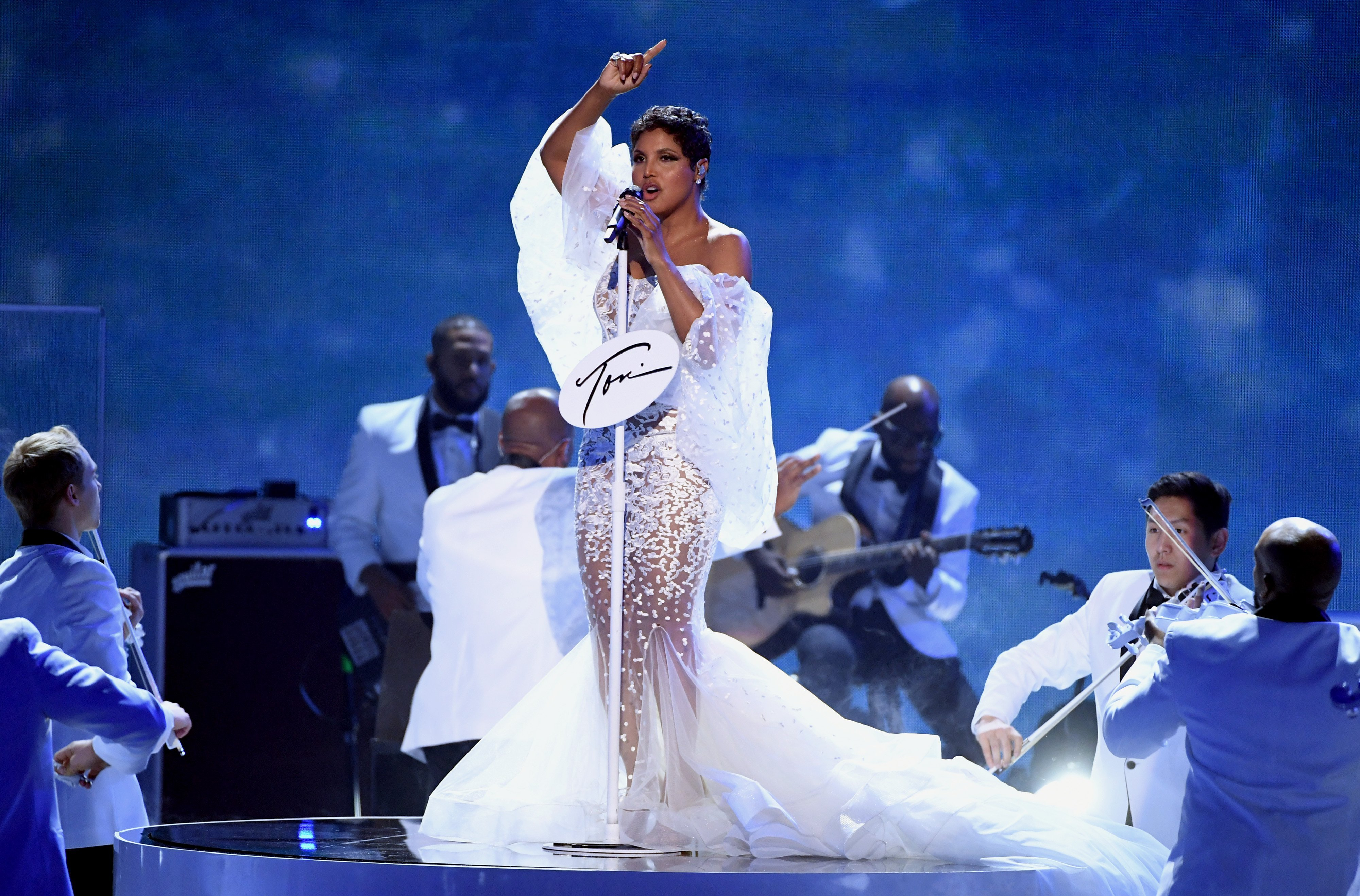 Toni Braxton performs onstage during the 2019 American Music Awards at Microsoft Theater on November 24, 2019, in Los Angeles, California. | Source: Getty Images.
