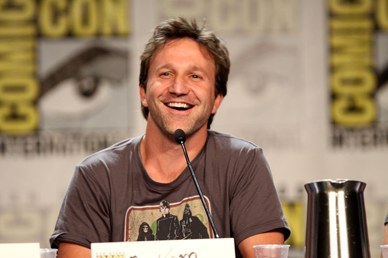 Breckin Meyer at the 2011 San Diego Comic-Con International in San Diego, California. | Source: Wikimedia Commons