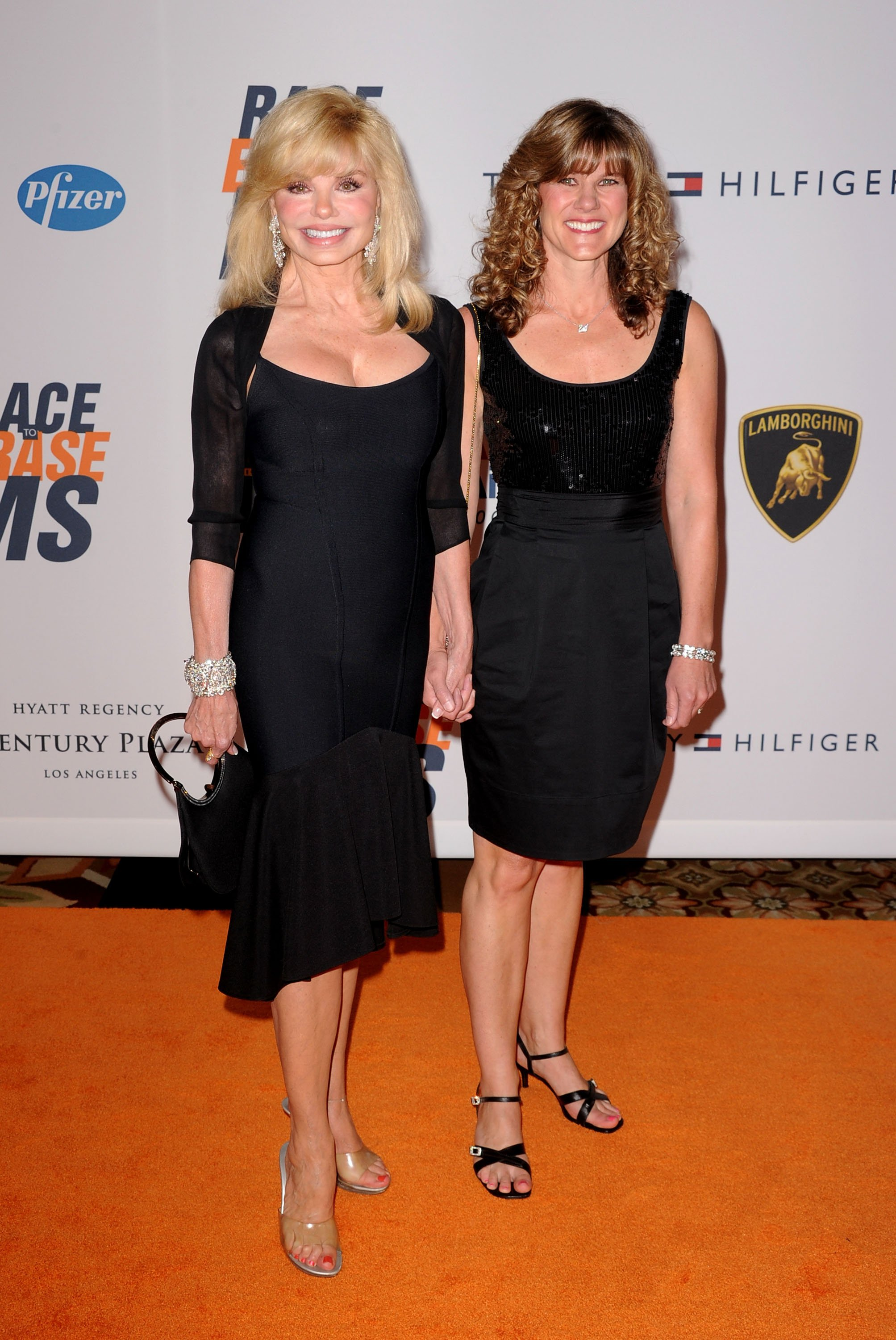 Loni Anderson and daughter Deidra Hoffman at the 17th Annual Race to Erase MS on May 7, 2010 | Photo: GettyImages