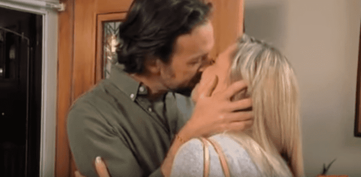 Kate Gosselin sharing her first kiss with Jeff after their dinner date on Kate Plus Date | Photo: YouTube/na dfkafk