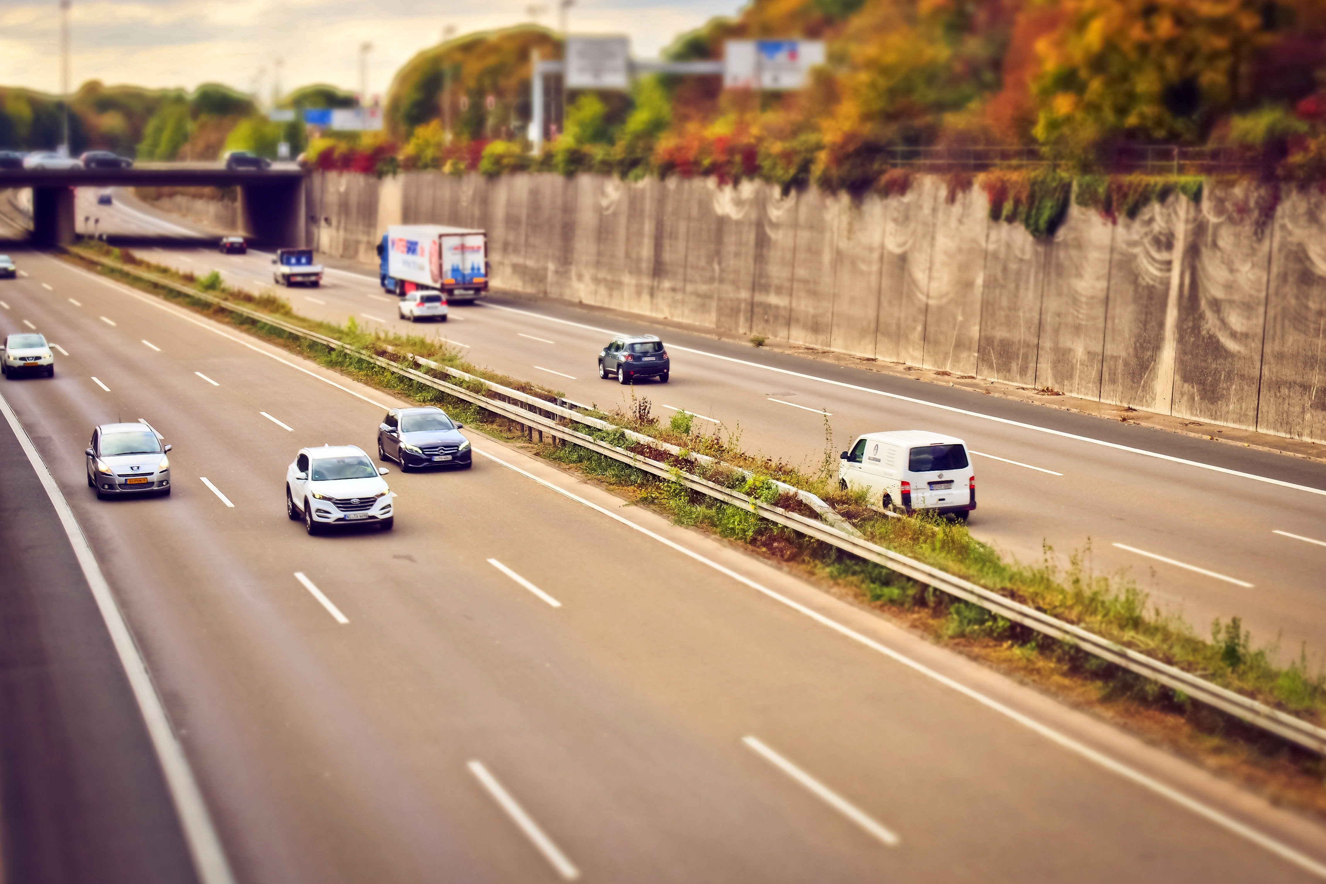 Pictured - Vehicles on the highway   Source: Pexels