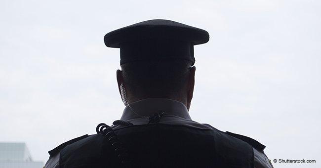 Un officier de police a arrêté une femme âgée pour excès de vitesse