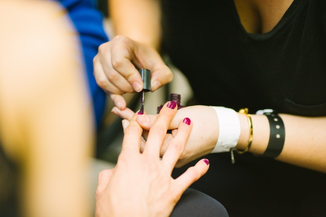 A soothing manicure | Source: Unsplash