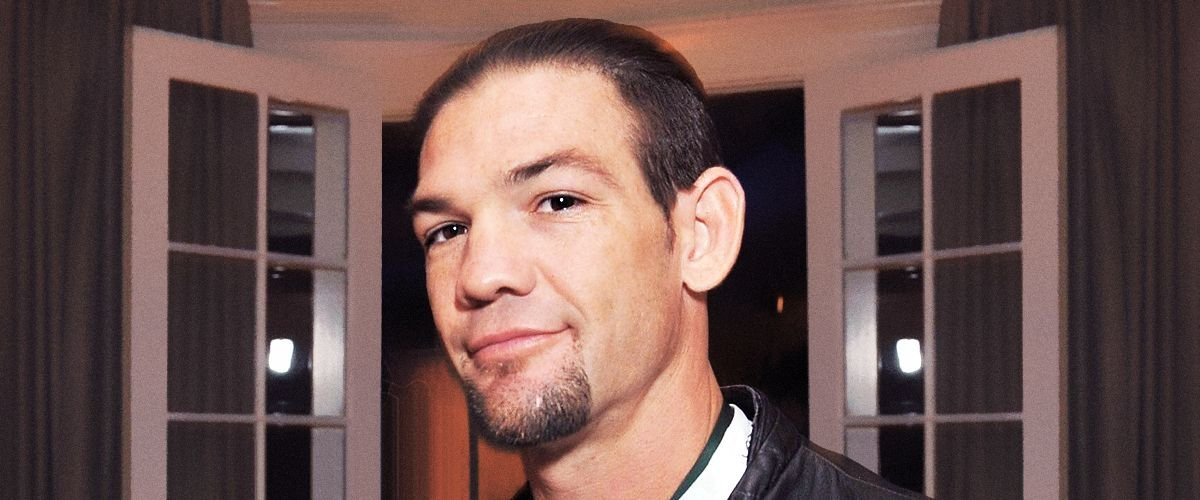 Leland Chapman Kisses His Wife Jamie in a Cozy Photo: 'I Love You'